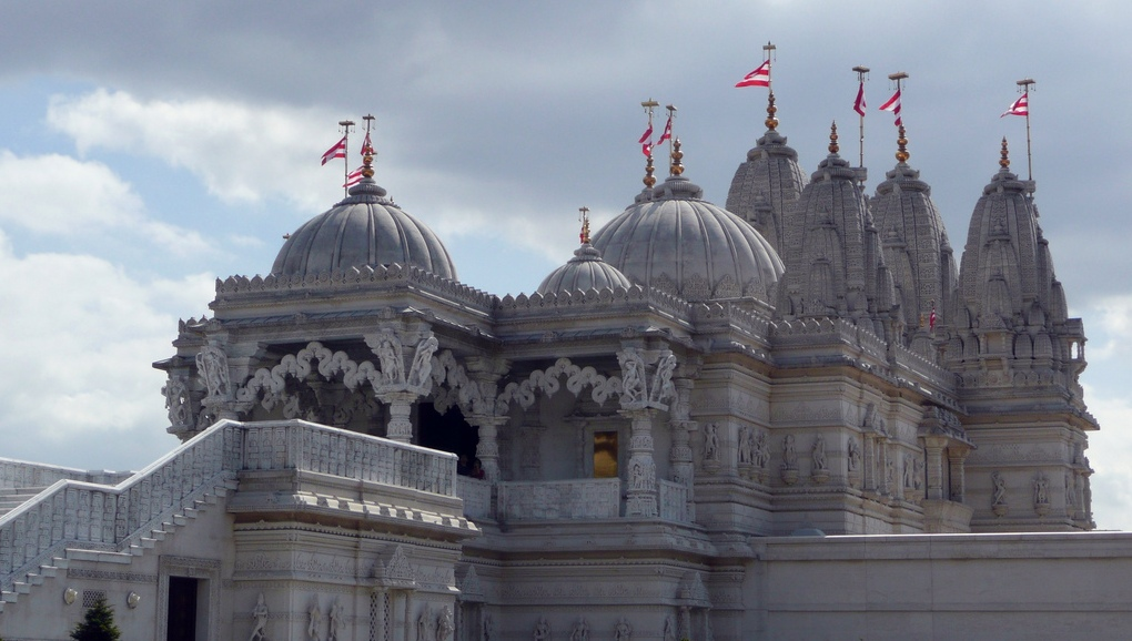 A travel scene in India? The Shri Swaminarayan Mandir a Hindu Temple in Neasden, north London. Image: Hindu Temple, Neasden, London by DavideGorla licensed under Creative Commons via flickr.