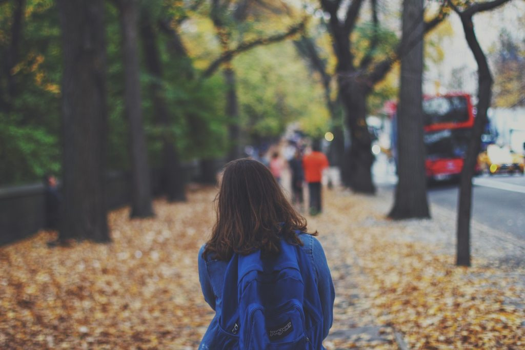 Children are walking less and making fewer journeys unaccompanied by an adult than they were 30 years ago. Image: pixabay.com Unsplash / 8152 images